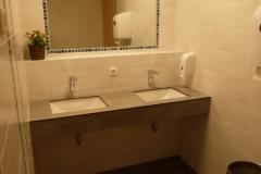 12 WC-Vorraum Damen