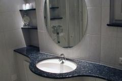 2002 - 1.2 ... Waschtisch mit Spiegel, 15° abgewinkelt...