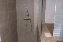 2014 2.2 ebenerdige Dusche mit Rinneneinlauf...